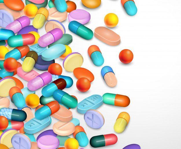 Várias pílulas de diferentes formas e tamanhos