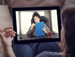 Psicologia: Psicóloga atendendo por Telemedicina